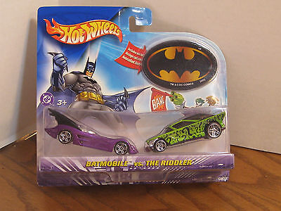 Hot Wheels - Batmobile vs. The Riddler Cars w/ Batman Logo S