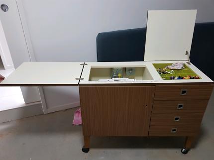 Sewing machine cupboard