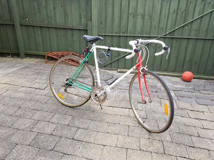 Mens large size vintage road bike large frame racer lock and lite