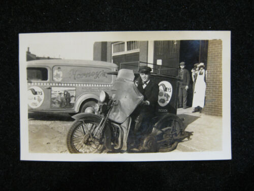 GREAT OLD PHOTO: DELIVERY MOTORCYCLE FOR HORNEY