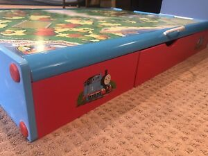 Thomas the Train trundle play table