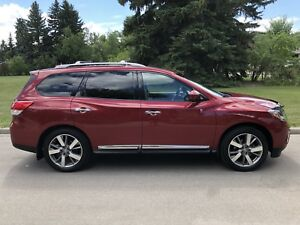 2014 Nissan Pathfinder Platinum - LOW KMS, BEAUTIFUL