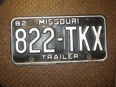1982 822-TKX TRAILER Misouri License Plate only one BLACK AND  & WHITE