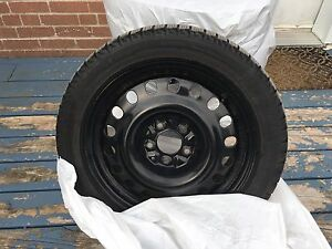 Michelin x ice 2 winter tires and rims  215/50/17