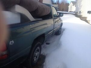 Parting out 2000 Dodge Ram