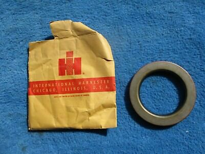 """International IHC Tractor Truck 6 """" Seal NEW NOS 337711-C92 Factory OE Part"""