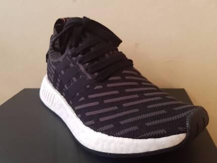 Adidas NMD R2 PK black/white/pink - US6