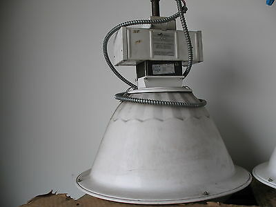 USED COOPER EP22 INDUSTRIAL LOW-BAY LIGHTING