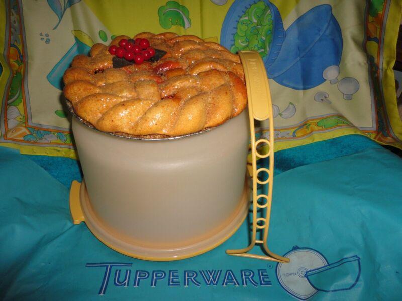 """VINTAGE TUPPERWARE GOLD 10"""" PIE CAKE TAKER KEEPER # 684 SHEER LID # 685 HANDLE"""