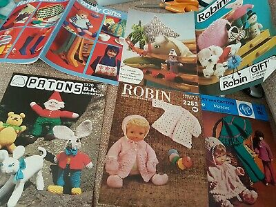 5 Vintage doll clothes/toy, teddy, alien, pig, knitting patterns, Patons/robin