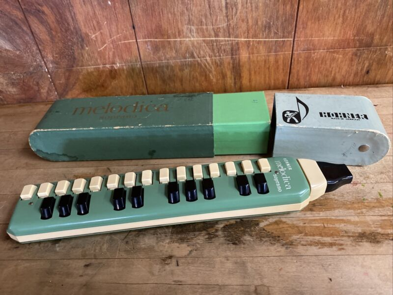 Vintage Hohner Melodica Soprano 25 Key with Original Box. Made in Germany.