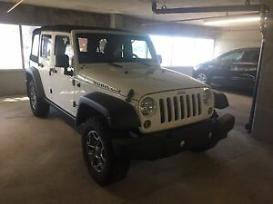 Jeep Wrangler unlimited RUBICON leather throughout and awesome