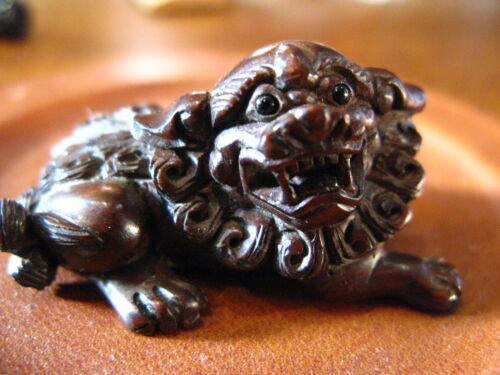 Vintage Antique Japanese Netsuke BoxWood Hand Carved Foo Dog No.1