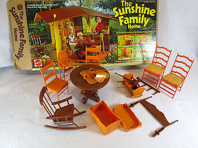 Vintage 1973 The Sunshine Family Home no. 7801 w/furniture & house