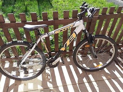 "Scott Voltage YZ3 24 Gear 18 Inch Frame 26 Inch Wheels. Condition is ""Used""."