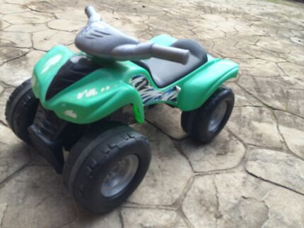 Kids ride on quad bike Andrews Farm Playford Area Preview