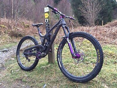 Evil wreckoning enduro mountain bike, like yeti and Santa Cruz, Size Large