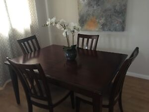 Dinning room table with 6 chairs