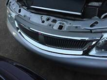 HOLDEN COMMODORE VX CALAIS BERLINA CHROME SILVER GRILLE S1 Kingswood Penrith Area Preview