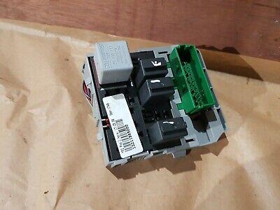 VAUXHALL MERIVA 1.6 FUSE BOX RELAY 13211985000 2007