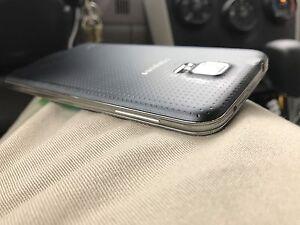 Samsung Galaxy S5 Factory Unlocked Pristine Condition