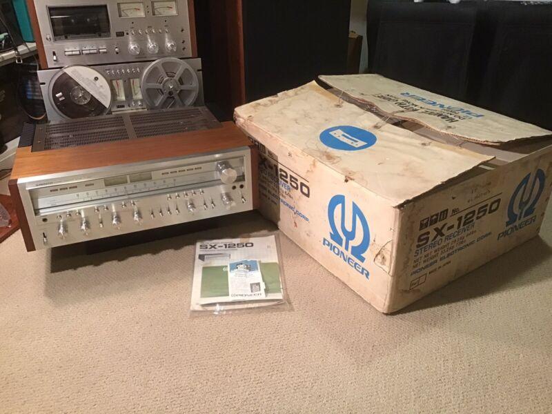STUNNING ORIGINAL Pioneer SX-1250 Receiver w/ Box Manual Warranty Card **BEAUTY*