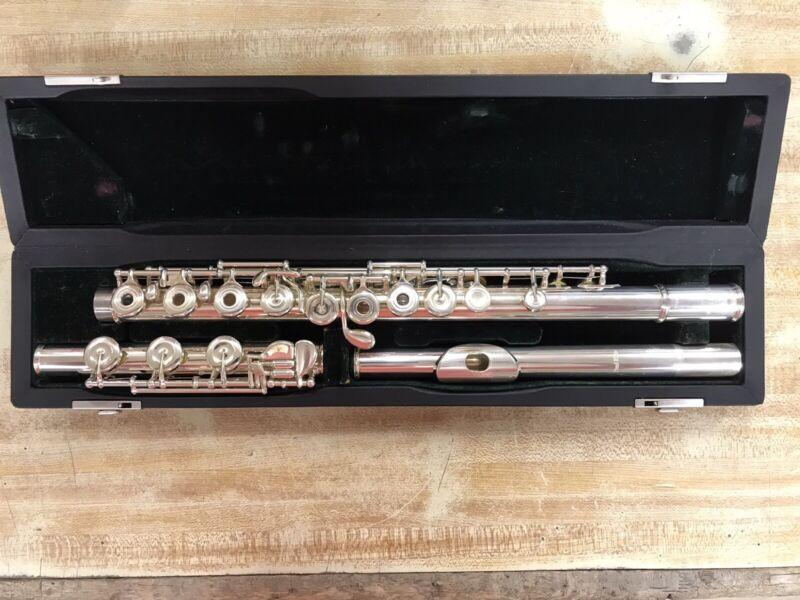 Pearl PF-665 Professional Open-hole Flute Silver