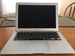 Apple MacBook Air (13-inch, Early 2014)