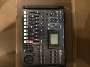 ZOOM R-8 DIGITAL RECORDER/INTERFACE/CONTROLLER/SAMPLER