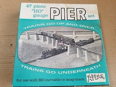 Atlas Ho 47 Piece Pier Set