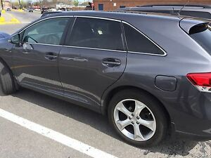 Toyota Venza 2014 AWD BT Winter Tires
