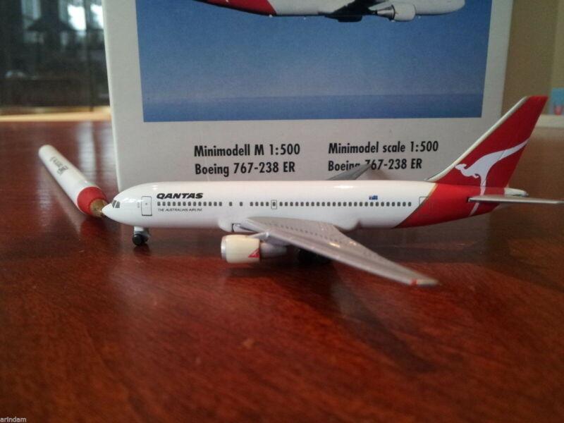 Herpa Qantas Airways B 767-238ER 1:500 - 504270  1990s Colors.
