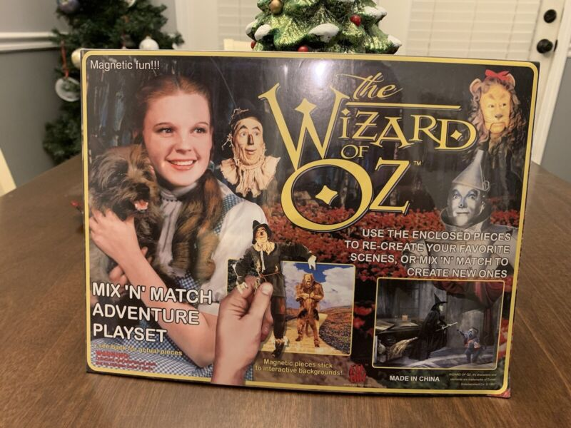 1997 The Wizard Of Oz Magnet Set BRAND NEW!