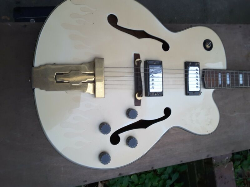 Antoria Jazzstar Archtop Guitar model H794