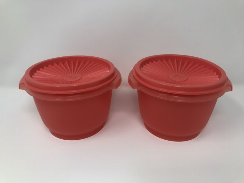 Tupperware Small Servalier Bowls Set of 2 coral color 20oz Bowls New