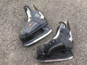 Jr CCM Hockey Skates Size 12