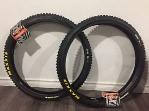 "New Maxxis Minion 26""x2.35 DH Freeride Mountain Bike Tires 26"""
