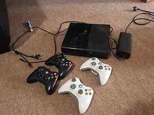 Xbox 360 ×4 remotes Salisbury Heights Salisbury Area Preview