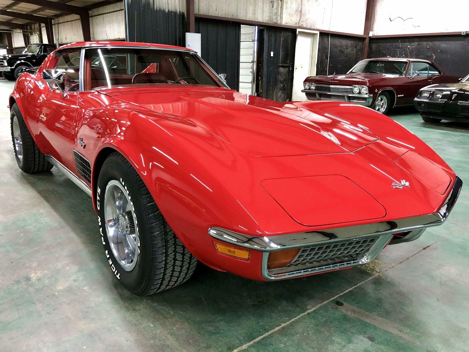 1972 Red Chevrolet Corvette     C3 Corvette Photo 7