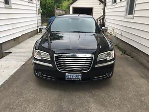 2012 chrysler 300 $18900
