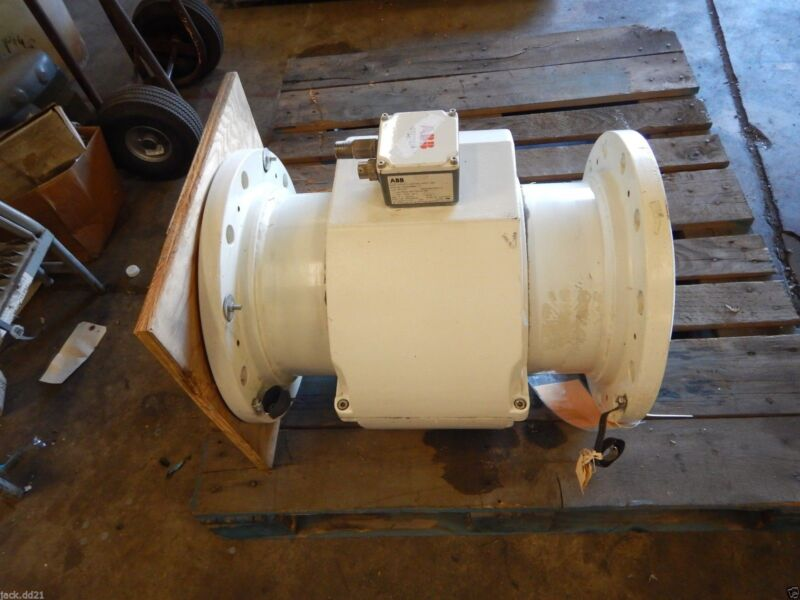 """NEW 10"""" ABB 10DS3111AEE19P1A2DA11381 Electromagnetic Flowmeter 7925.2 GPM NEW"""