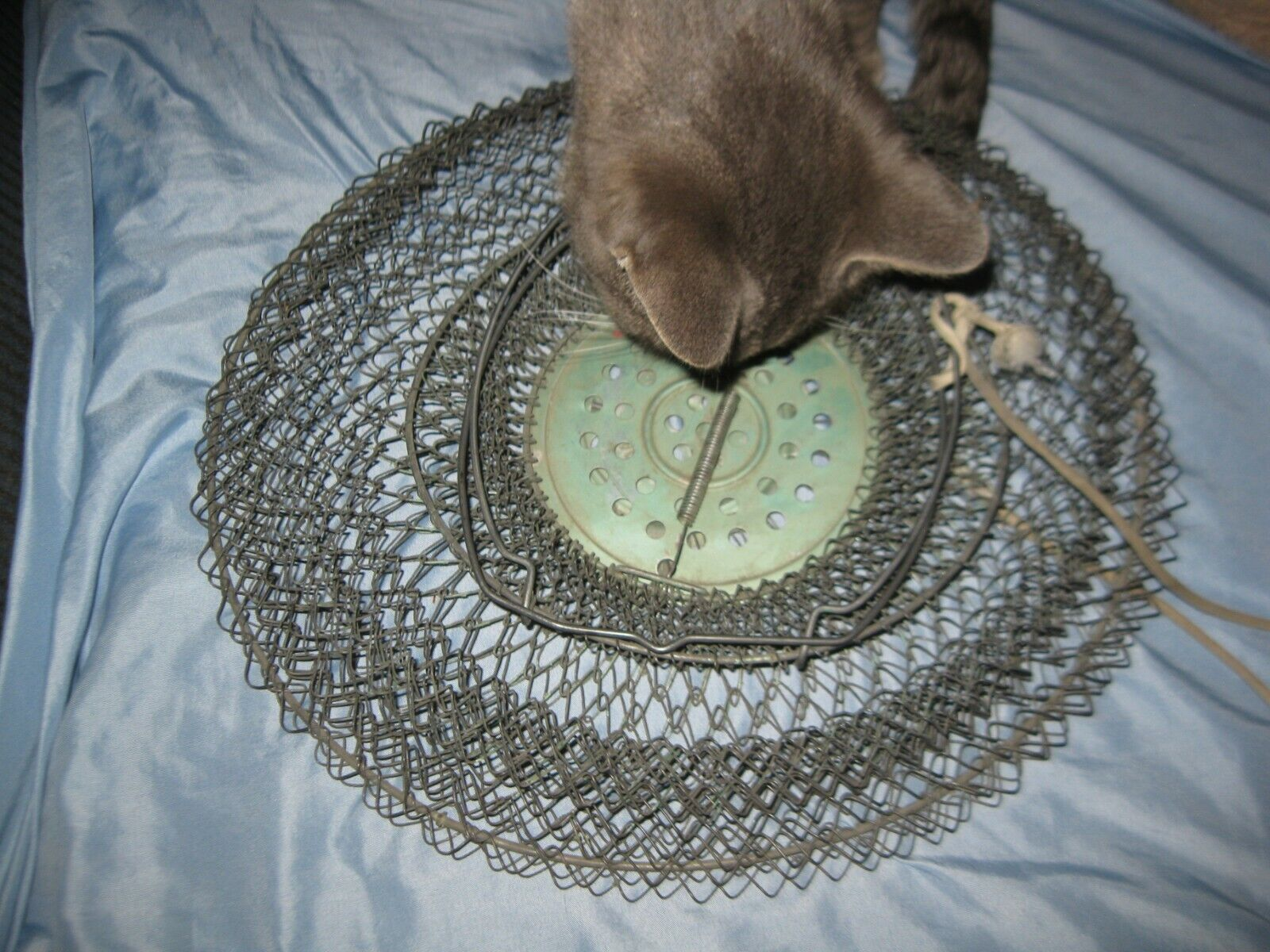 Vintage MAILLINOX Colapsible Mesh Wire Fish Bait Basket France Nice  - $17.99