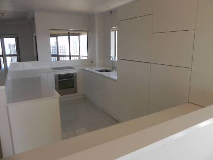 Magnificent 3 Bedroom Apartment in a Resort Style Complex Surfers Paradise Gold Coast City Preview