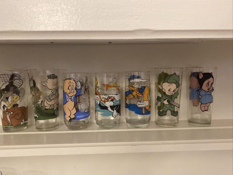 Lot Of 7 Vintage 1973& 1976, & 1979 Looney Toon Glasses
