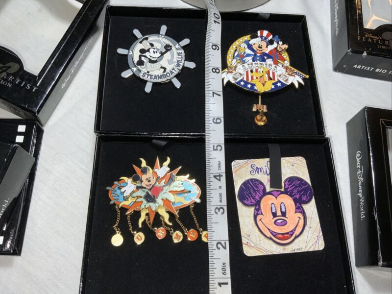 4 LE Featured Artist Jumbo Disney Steamboat Willy Mickey Pins 75 Years Set