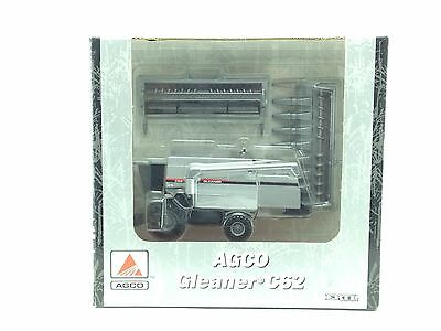 1/64 ERTL AGCO GLEANER C62 COMBINE W/ TWO HEADS