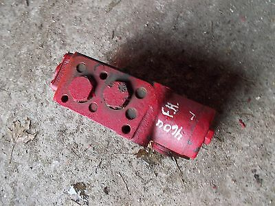 International 460 Utility Tractor Hydraulic Control Valve Left Block Behind Dash