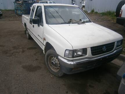 wrecking Holden Rodeo 2.6 1996 for spare parts