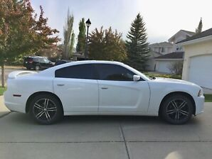 2014 AWD Dodge Charger SXT