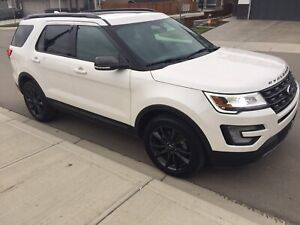 2017 Ford Explorer Xlt With Earance Package